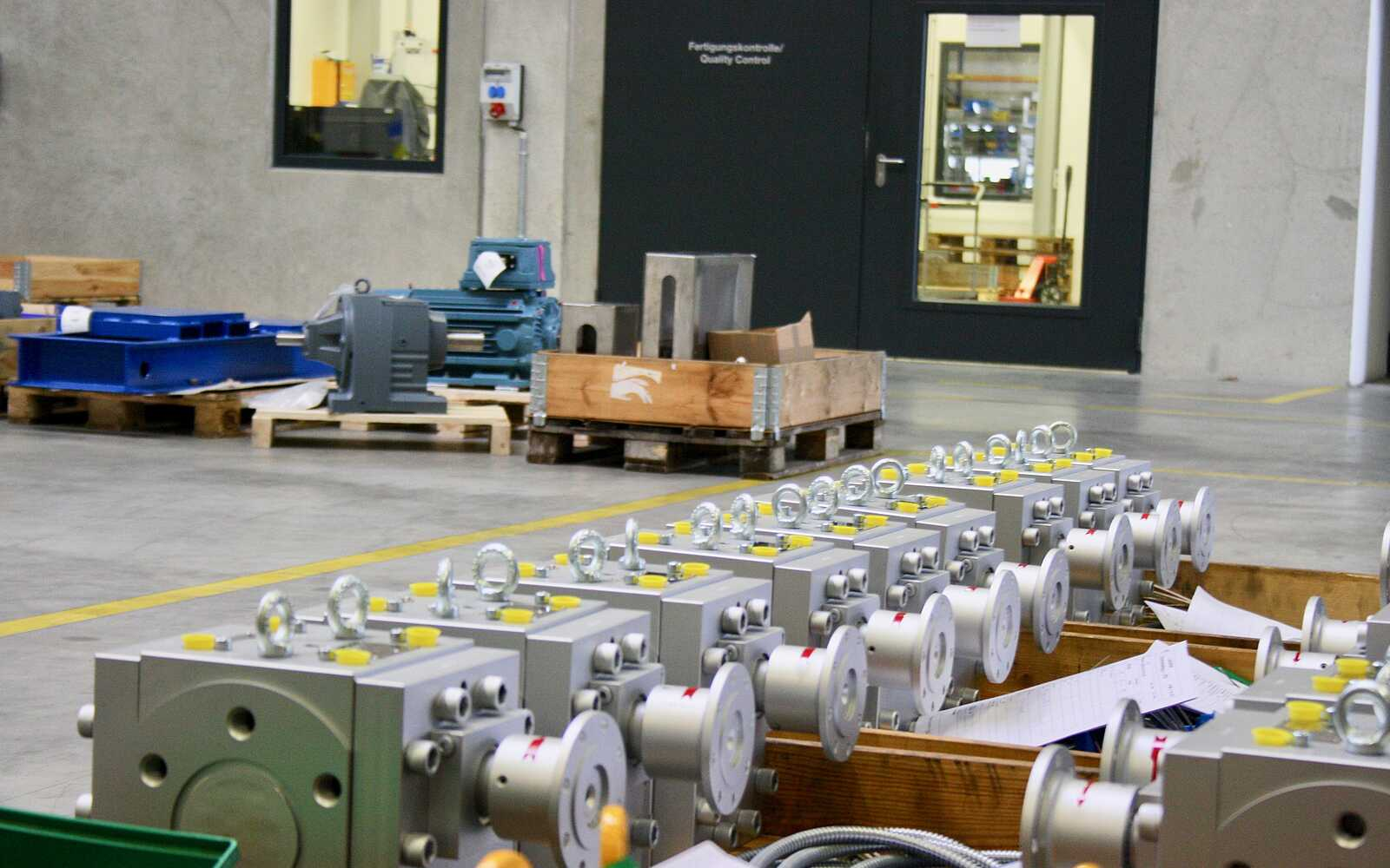 Melt pumps for the production of polypropylene